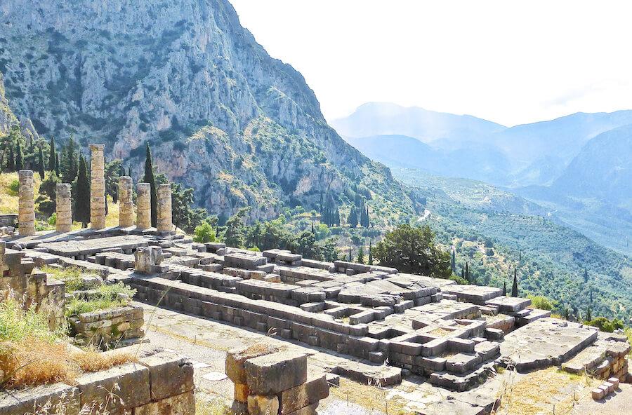 Ruinas Templo Apolo Delfos